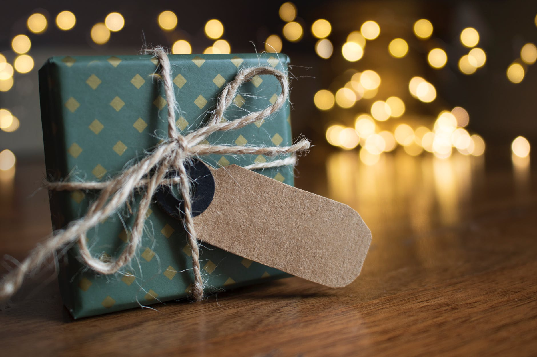 Still, No Presents yet? Here are a few DIY Gift Ideas.